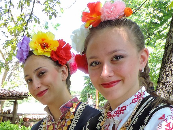 Foto Friday - Bulgaria - Arbanassi - dancers-DSCN4306---