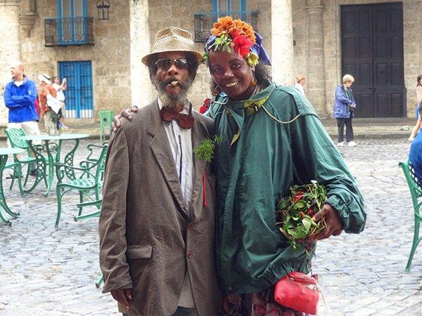 Cuba-Havana-couple--DSC03276--600--B