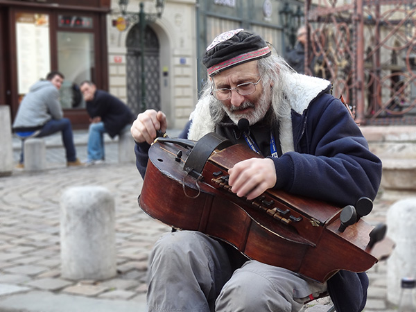 Foto Friday - a street musician in Prague