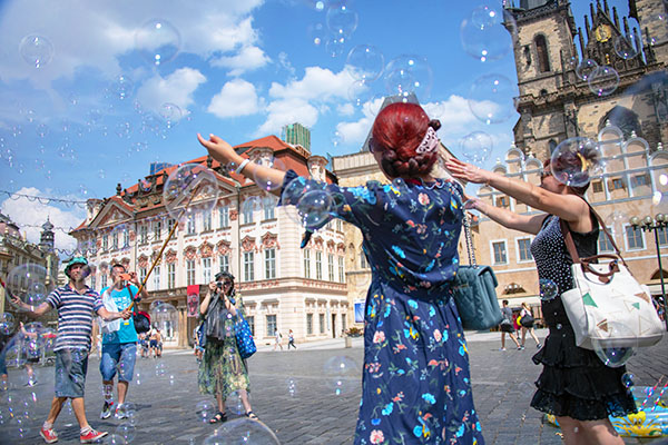 Foto Friday - people frolicking in a city square