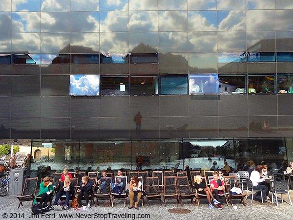 Foto Friday - Denmark - Copenhagen - sunbathers-DSC08287