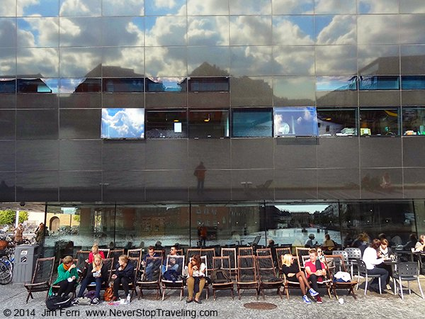 -Denmark - Copenhagen - sunbathers-DSC08287
