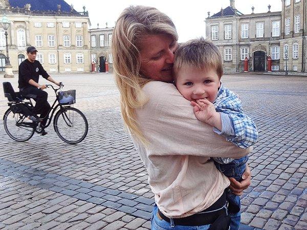 Foto Friday - Denmark-Copnhagen - palace square-DSC08797---cor