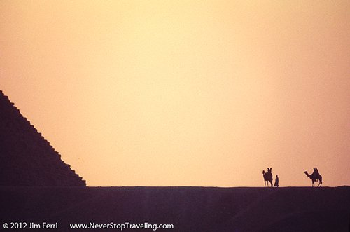 Foto Friday - the Pyramids outside Cairo, Egypt