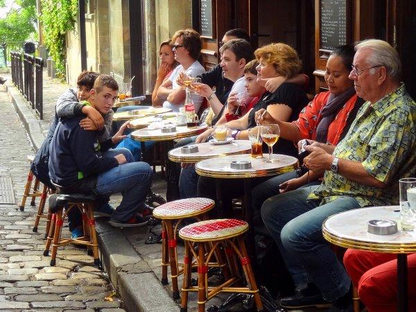 Café - Palce du Tertre, Montmartre, Paris