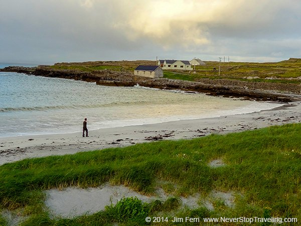 Ireland - Kilmurvey Beach, Inishmore, Aran Islands - DSC00114--C