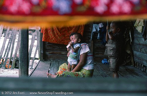Foto Friday - a mother and baby in Trengganu, Malaysia