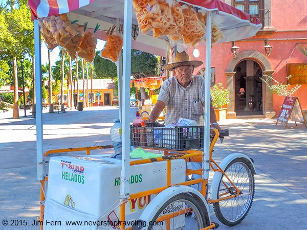 Mexico-Loreto-ice cream man-DSCN1374--D