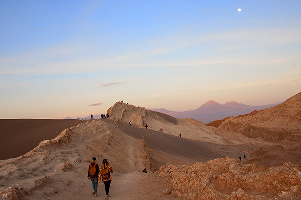 Foto Friday - moonrise on a high desert in Chile