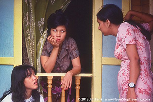 Foto Friday - three women talking in Penang, Malaysia