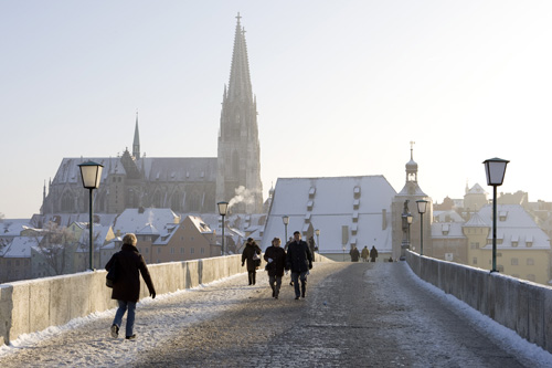 Snowy bridge in Regensburg