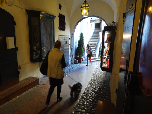An alleyway off Getreidegasse