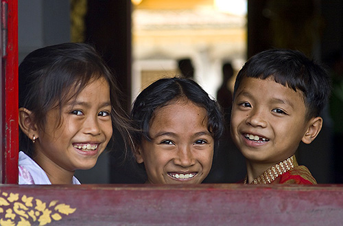 Children at the Royal Palace / photo: toby