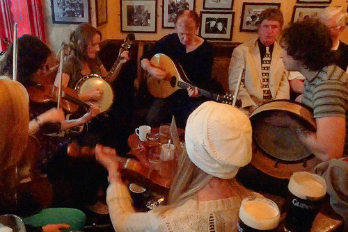 Live music in Tig Cóilí Pub, Mainguard Street