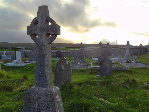 Cemetery near Kilmurvey