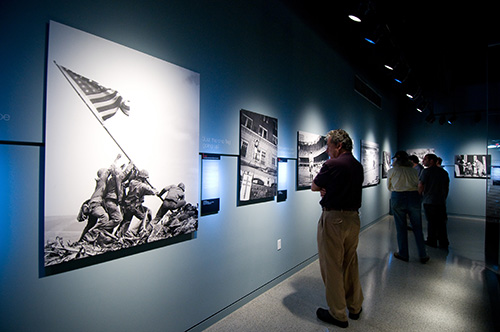 Pulitzer-Prize winning photos, the Newseum / photo: Sam Kittner, the Newseum