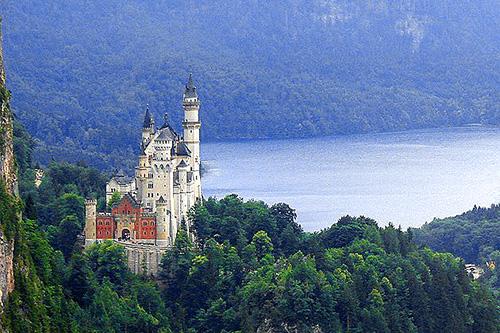 Neuschwanstein Castle / photo:Marcio-Cabral-de-Moura top 10 places in Germany