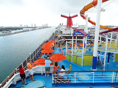 Upper deck of the Carnival Breeze / photo: Jim Ferri