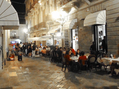 Outdoor restaurants, Lecce