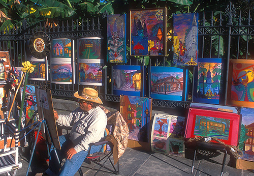 Sidewalk artist in Jackson Square in New Orleans/ photo: NewOrleansOnline.com/Alex Demyan