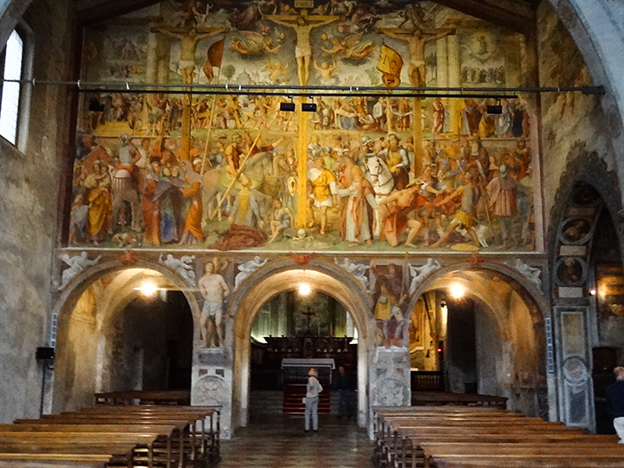 frecoes in a church, one of the best things to do in Lugano Switzerland