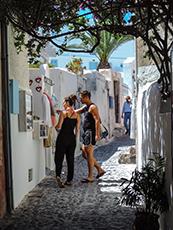 A street in Oia in Santorini