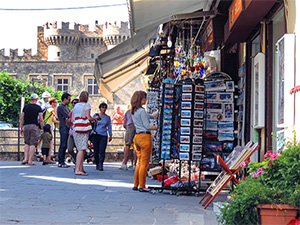 wandering about the old town, one of the things to do in Rhodes