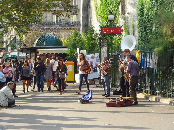 musicians on a street seen during walks in Paris