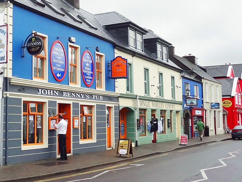 pringhtly painted shops in Dingle, Ireland - Dingle Peninsula