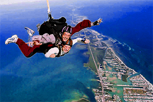skydiver ove the ocean in Florida