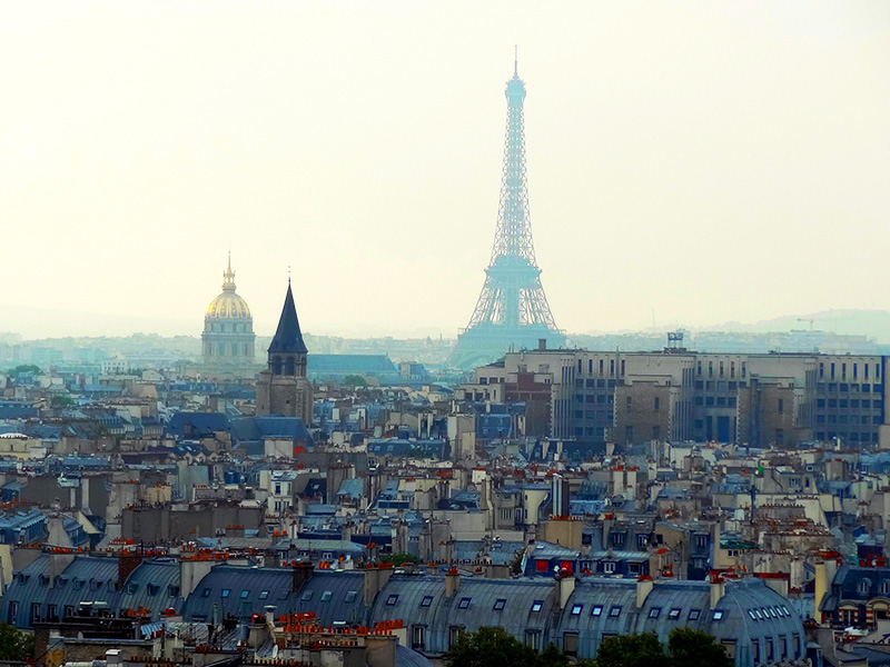 the Eiffel tower, one of the top 10 places in Paris