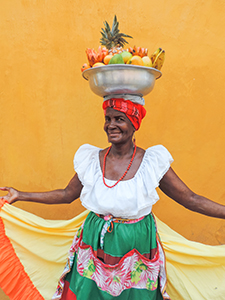 a woman fruit vendor in Cartagena