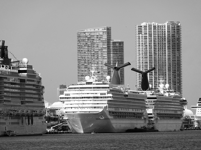 cruise-ships-miami