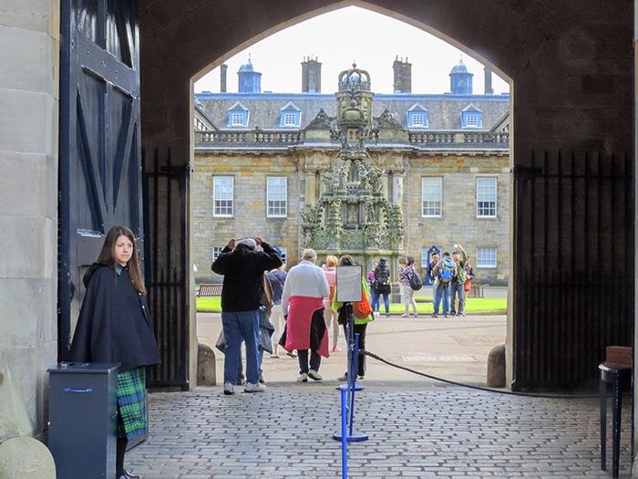 people entering a palace in Edinburgh, Scotland