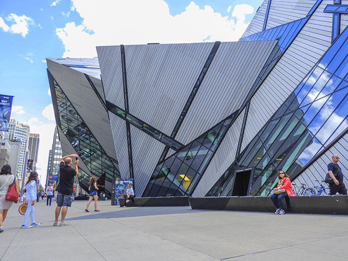 a modern building in Toronto