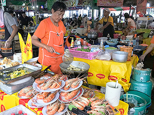 giant shrimp at a food stand in Bangkok
