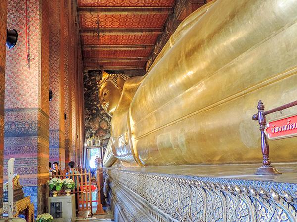 a golden Buddha in Bangkok