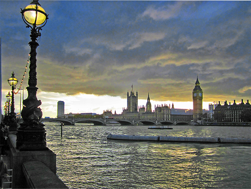 a walk in London along the Thames at sunset