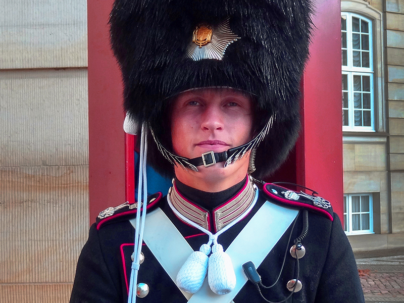 a palace guard, one of the things to see in Copenhagen