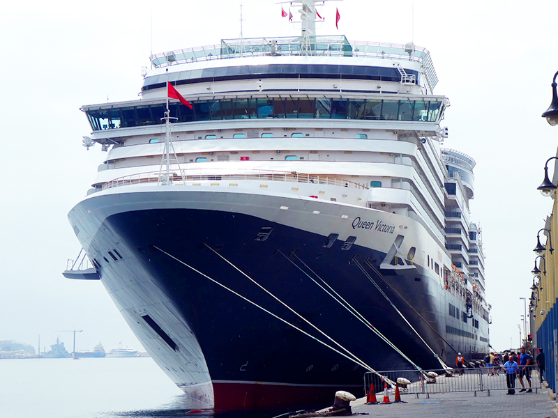 the Queen Victoria at a wine cruise dock